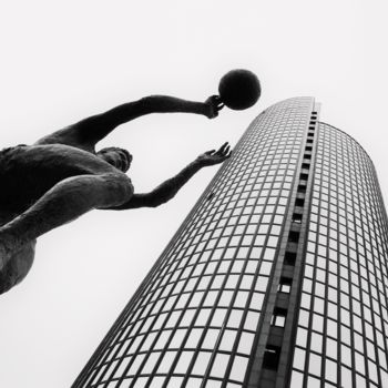 Monument Photography, non manipulated photography, figurative, artwork by Alen Gurovic