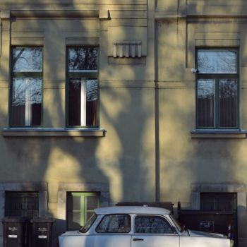 Car Photography, non manipulated photography, figurative, artwork by Alen Gurovic