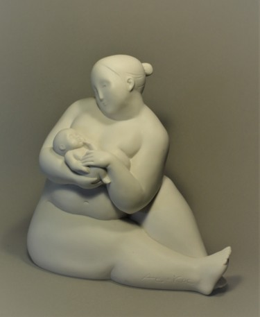 Nude Sculpture, resin, minimalism, artwork by Tatiana Albitskaya Kostomarova