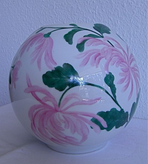 Vase chrysanthèmes - Painting,  0.4 in, ©2010 by Madeleine Golay -