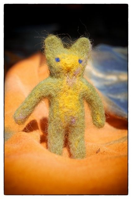 Kitty Psy - Artcraft,  2.8x1.6 in, ©2012 by Anni Boreiko -                                                                                                                                                      Wool, cat, kitty