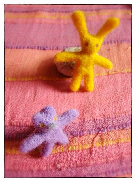 Friends - Artcraft,  7x4 cm ©2012 by Anni Boreiko -            wool, rabbit, kitty