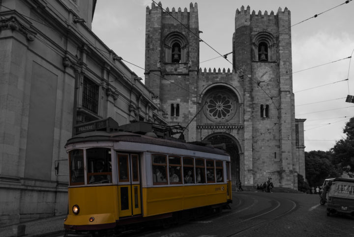 Lisbon Cathedral - Portugal - Photography, ©2017 by Antoine Barthelemy -                                                                                                                                                                                                                                                                                                                                                                                                                                                                                                                                                                      Architecture, Cities, Cityscape, Religion, Travel, portugal, lisbon, icons, black and white, tramway, church, religion
