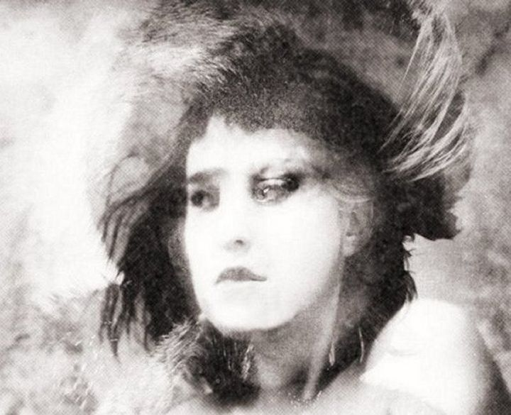 Mrs White..... - Photography,  20x25 cm ©2018 by philippe berthier -                                                                                Modernism, Portraiture, Women, Black and White, Portraits, création, visage, oeuvre