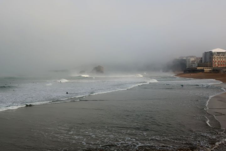 Brume Matinale......... - Photography, ©2019 by Philippe Berthier -                                                                                                                                                                                                                                                                                                                                                                                                                                                                                                                                                                                                                                                                                  Classicism, classicism-933, Nature, Seascape, océan, marin, brume, matin, surf, biarritz, atlantique, décembre, hivernal, lumière