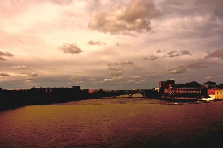 une vue de toulouse - Photography,  16.9x23.6 in ©2013 by philippe berthier -                                            Other, Cities, toulouse, city, urban, landscapes, light, color, sky, clouds, Limited Edition