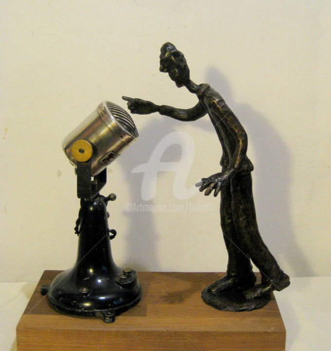 """Good morning, France"" - Sculpture,  31x25 cm ©2016 by Elisabeth FAUCHEUR -                                            Bronze, People, good morning France, sculpture bronze, sculpture, micro ancien, art singulier"