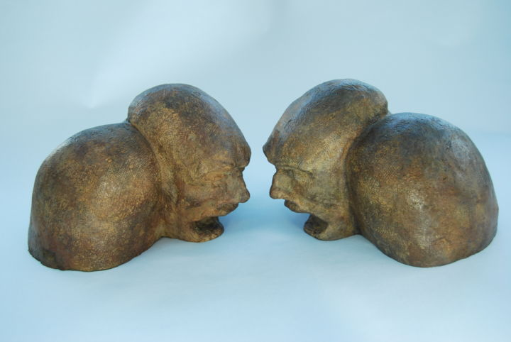 Bagarre - Sculpture,  6.3x17.3x8.3 in, ©2020 by Béatrice De Greef -                                                                                                                                                                                                                                                                                                                                                                                                                                                                                                  Expressionism, expressionism-591, Men, Humor, People, humains, hommes, colère, sentiments, humour