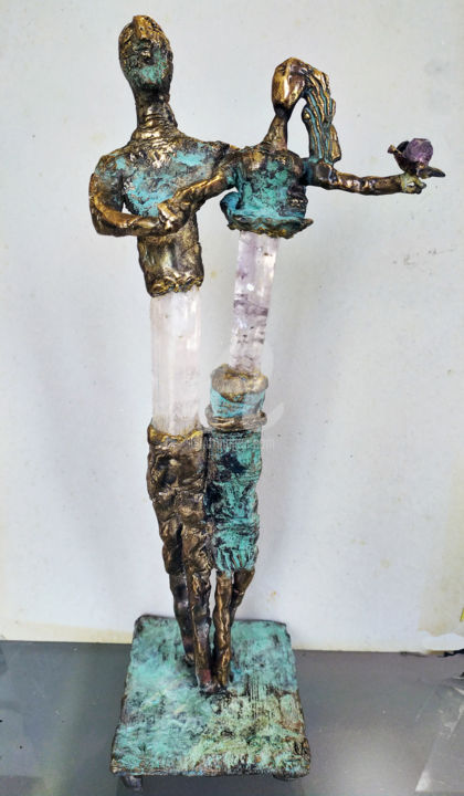 couple-astrakan.jpg - Sculpture,  15x6.3 in, ©2018 by Elisabeth Brainos -                                                                                                                                                                                                  couple, pierre améthyste, bronze, pièce unique