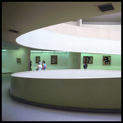 Guggenheim Museum - Photography ©2006 by Pierre Cazaux-Ribère -