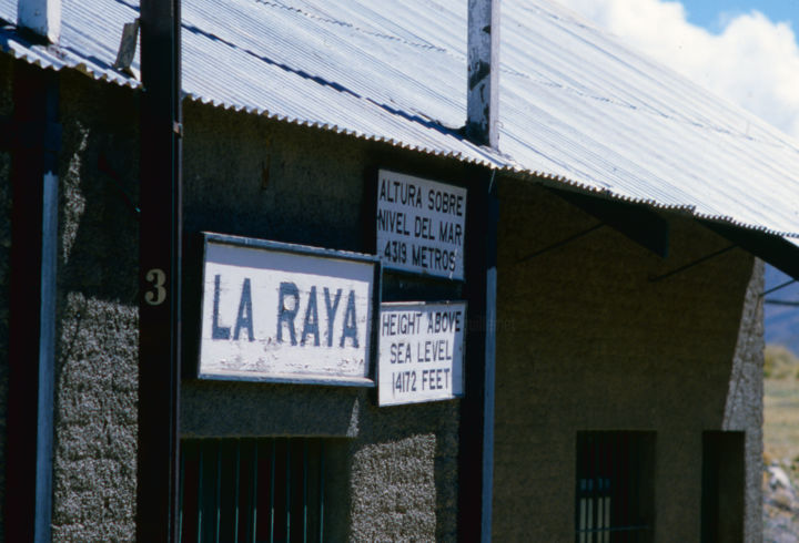 La Raya.jpg - Photography,  30x40 cm ©2015 by Claude GUILLEMET -                                            Documentary, Travel, altitude, soroche, coramine-glucose, train des Andes, Pérou