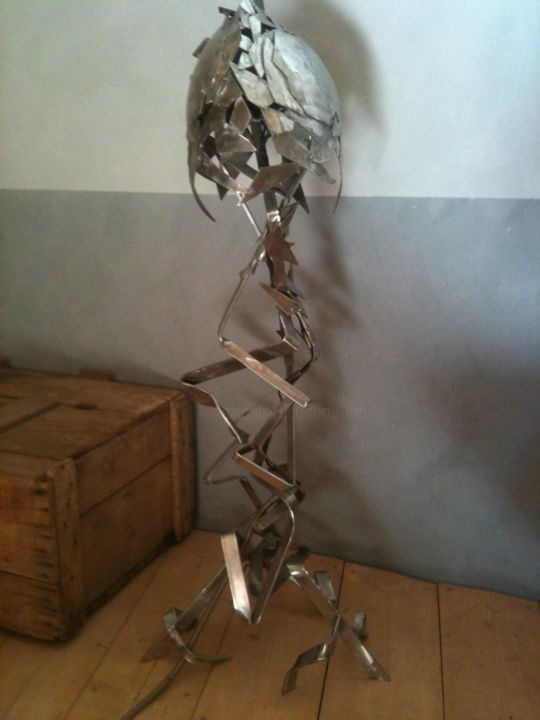 the plant - Sculpture,  59.1 in, ©2014 by Cristo Ash -                                                                                                                                                          Stainless Steel, éclairage, éclairage design
