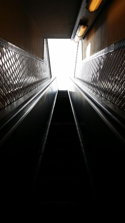 perspective de sortie - Photography ©2015 by Cristo Ash -            photographie, escalator, picture, nofilter