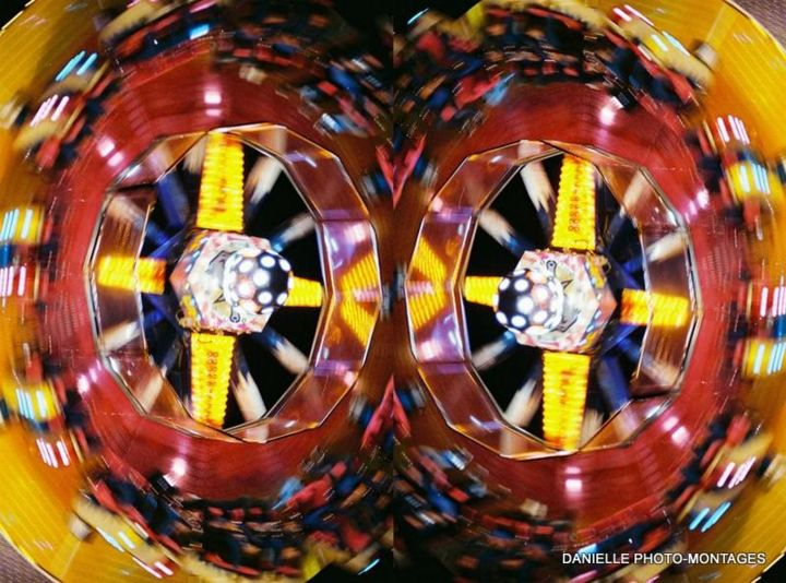 grande roue - Photography,  40x40x50 cm ©2015 by Danielle DUBUS -