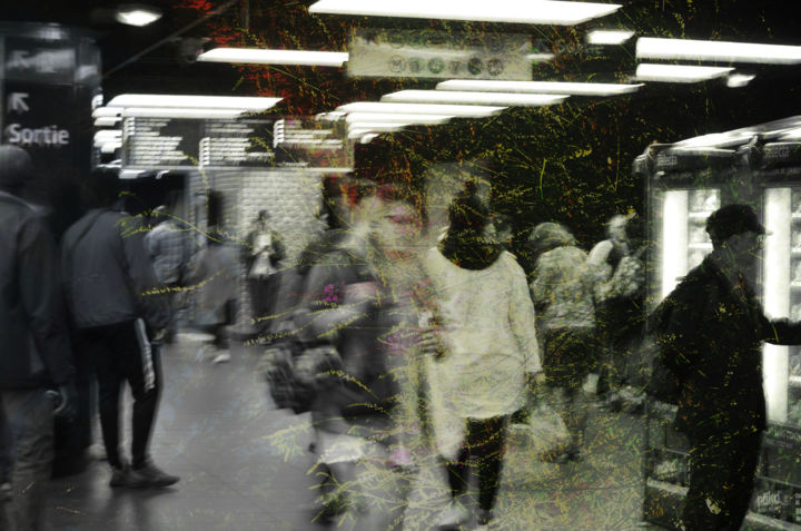 Trouble invisible - Photography,  19.7x29.5 in ©2019 by Linda Bachammar Clerget Photographies -                                                                                                                                Abstract Art, Expressionism, Impressionism, Photorealism, Architecture, Abstract Art, Black and White, People, Cities, métro, paris, ville, personnes, art contemporain, photographies, superpositions