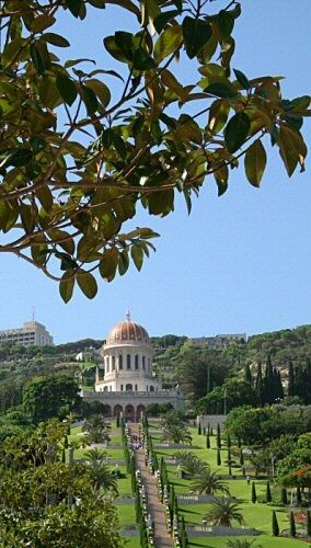 Haifa 1 - Photography, ©2006 by Efi Keren -                                                                                                                                                                                                                                                                                                                                                                                                                                                                                                                                                                                                                                                                                                                                                                                                                                                                                                                                  Haifa, city, urban, municipal, town, residence, Israel, Middle East, Jewish, Mediterranean, temple, shrine, church, synagogue, building, erection, construction, architecture, structure, house