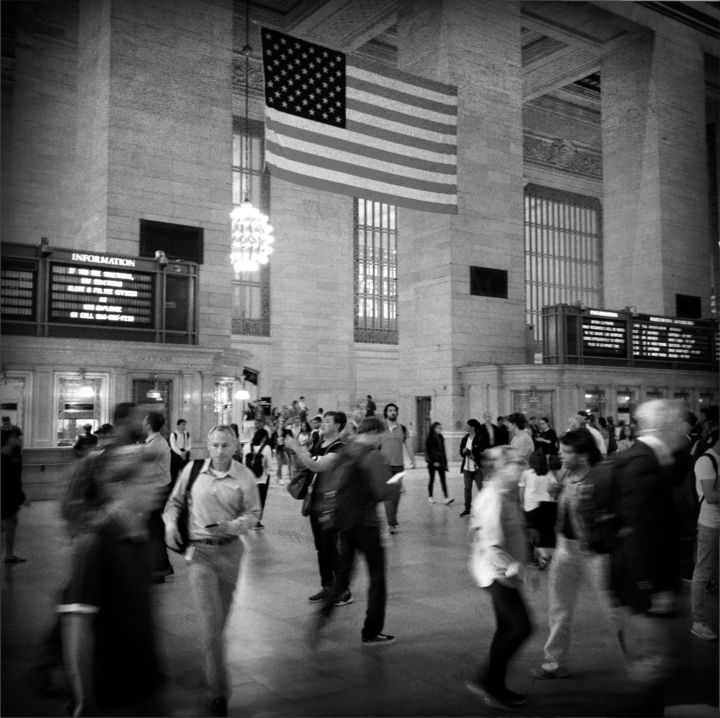 New-York 1 - Photography,  11.8x11.8x0.4 in, ©2017 by Eric Chauvet - Photographies New-York -                                                                                                                                                                                                                                                                                                                                                                                                                                                                                                                                                                                                                                                                                                                                                                                                                                                                                                                                                                                                                                                  Street Art, street-art-624, Architecture, Culture, Black and White, Cityscape, Cities, USA, Train, Gare, Station, NY, New-York, Central Station, Drapeau, Amérique, Personne, Noir et Blanc, Etat-Unis, Photographie, PhotographyCUltureArt, Eric Chauvet