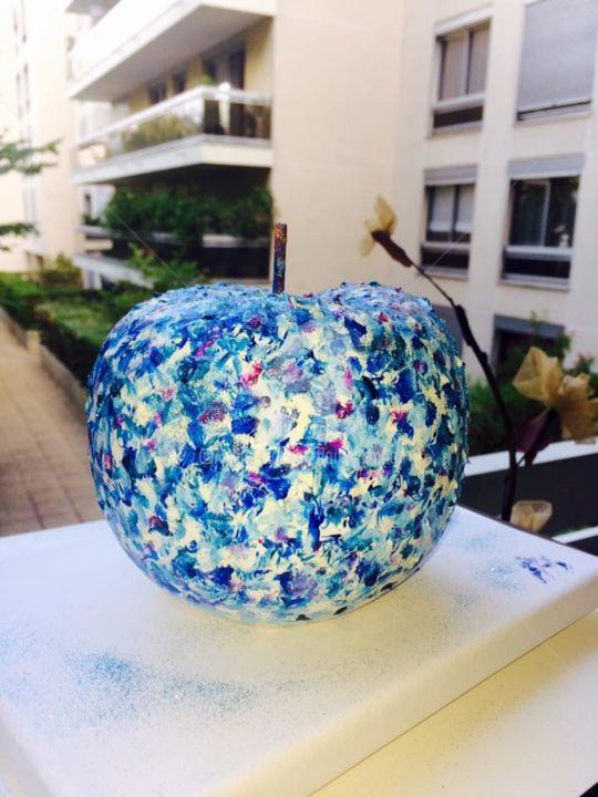 Blue apple - Painting ©2018 by FlorenceGM -