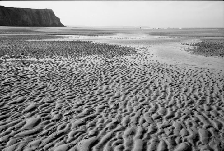Blanc Nez à la plage - Photography,  19.7x27.6x0.4 in, ©2006 by Frédéric Duchesnay -                                                                                                          falaise cap plage sable mer du nord, Black and White