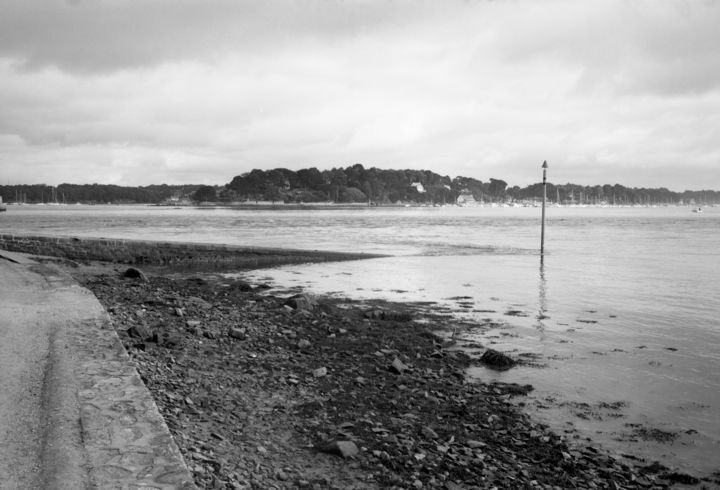 Ile aux Moines au matin - Photography,  19.7x27.6 in, ©2018 by Frédéric Duchesnay -                                                                                                                                                                                                                                                                                                                  Illustration, illustration-600, Places, Seascape, Bretagne, Black and White