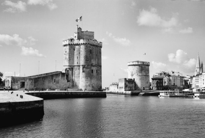 La Rochelle - Photography, ©2019 by Frédéric Duchesnay -                                                                                                                                                                                                  Architecture, History, Black and White, Cities