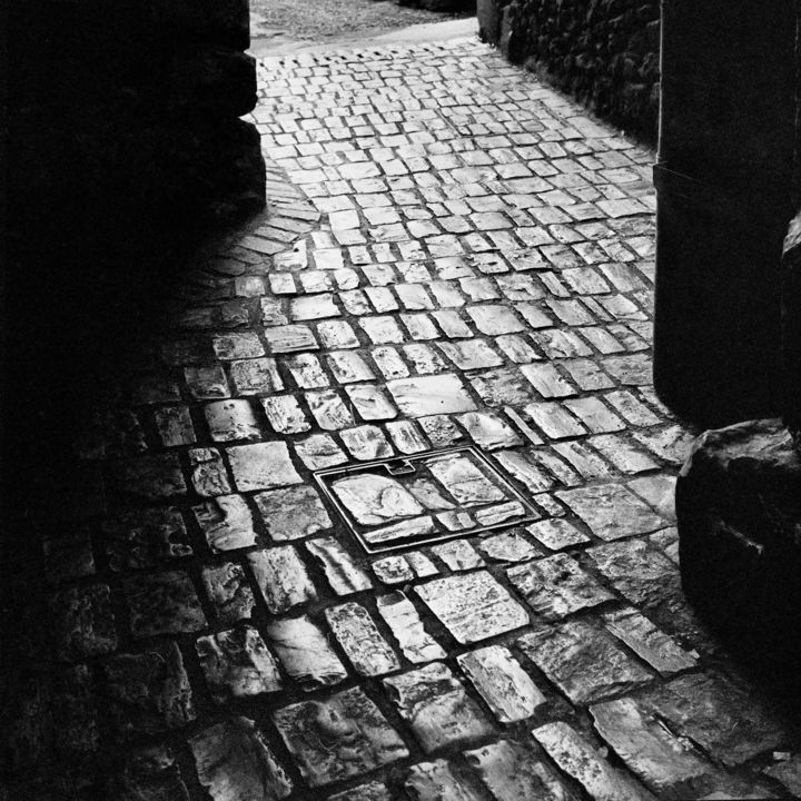 Ruelle - Photography,  9.5x9.5 in, ©2009 by Frédéric Duchesnay -                                                                                                          ruelle pavée à sarlat, Black and White