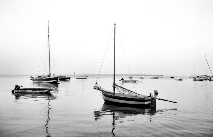 A flot - Photography,  11.8x15.8 in, ©2011 by Frédéric Duchesnay -                                                                                                          Port sur le bassin d'arcachon, Black and White