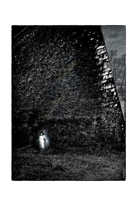 Une sortie hasardeuse  (a tribute to Lewis Caroll) - Photography,  23.6x15.8 in, ©2018 by Gérard BERTRAND -                                                                                                                                                                                                                                                                                                                                                                                                                                                                                                                                              Conceptual Art, conceptual-art-579, Cinema, Fairytales, Culture, Fantasy, Lewis Carroll, Limited Edition, Black and White, ART FIGURATIF, SURREALISME