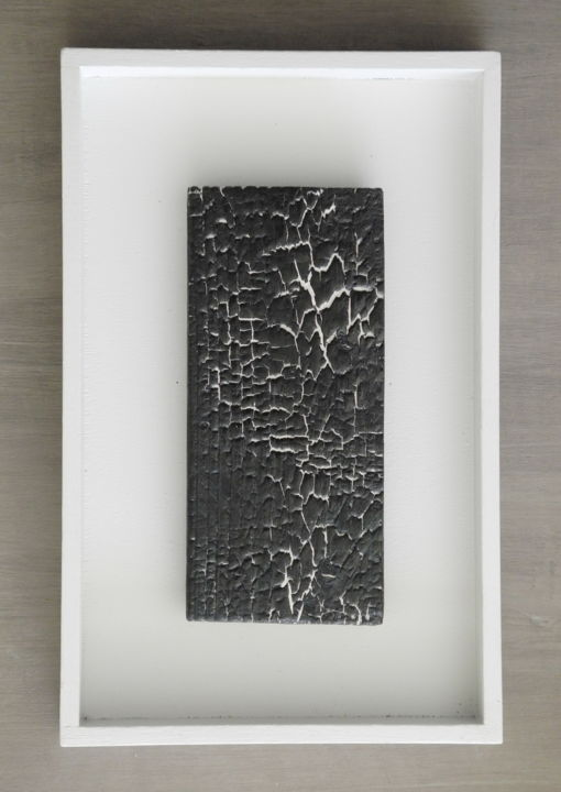 BB5 - Sculpture,  13x8.3 in, ©2015 by Gérard Didier -                                                                                                                                                                                                                                                                          Abstract, abstract-570, Wood, Black and White, planche-bois-feu-fissures