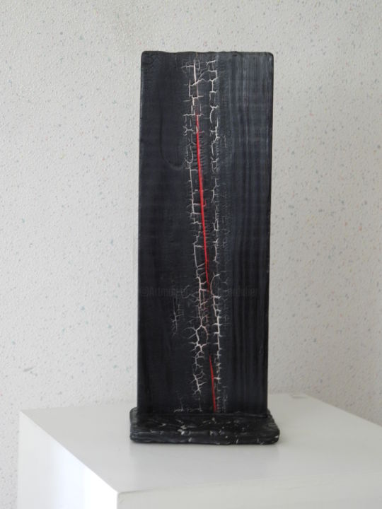 BB43 - Sculpture,  15.4x5.9x4.3 in, ©2016 by Gérard Didier -                                                                                                                                                              Wood, Black and White, bois brûlé- stabilisé-fissures traitées - biface