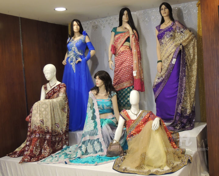 Mode indienne - Sari - grand magasin Kochi COHIN - © 2014 mode, indienne, sari, boutique, robe, femme, sensualité, couleurs, soie, tissus, grands magasin, vente, culture du monde, habillement, habit, beauté Online Artworks