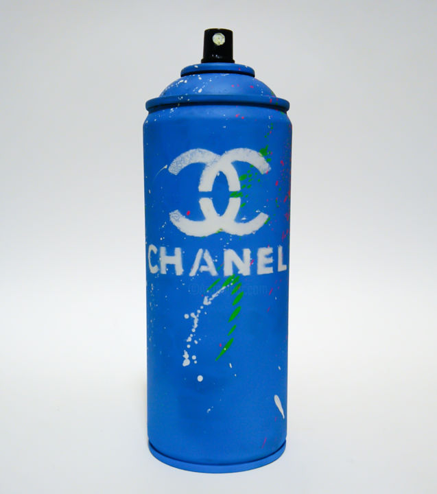 """Sculpture titled """"CHANEL BLUE"""" by Hipo - Alessio Hassan Alì, Original Art, Spray paint"""