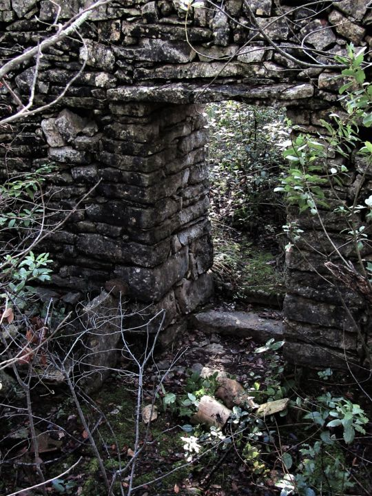 Ruine 1 - © 2019 ruins, Provence, dry stone cabin, textures, patterns, architecture Online Artworks