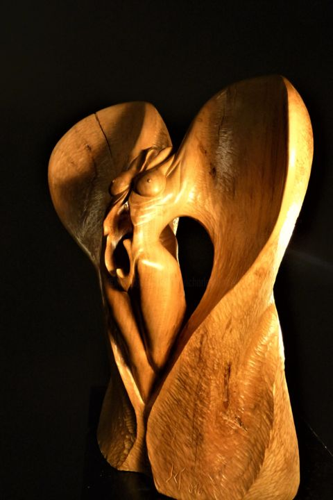 Ange-Elle - Sculpture,  16.9x13.4x7.5 in ©2016 by Jean-Charles Ferrand -                                                                                                                        Figurative Art, Symbolism, Wood, Nude, Angels, Body, Fantasy, Women, ange, femme, corps