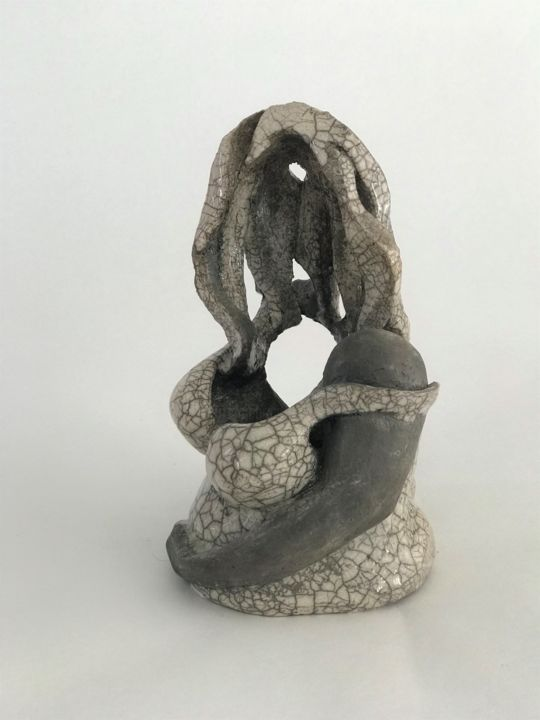 Macha de la Ville en Rose - Sculpture,  28x20x16 cm ©2017 by Julie ESPIAU -                                                            Symbolism, Ceramic, Women, femme, volupté, voluptueuse, raku, blanc, noir, lumière, trous, woman, emotion, empty, vide, scultpure, sculpture céramique, ceramic sculpture, céramique contemporaine, contemporary ceramic, sculpture contemporaine, contemporary sculpture, artwork