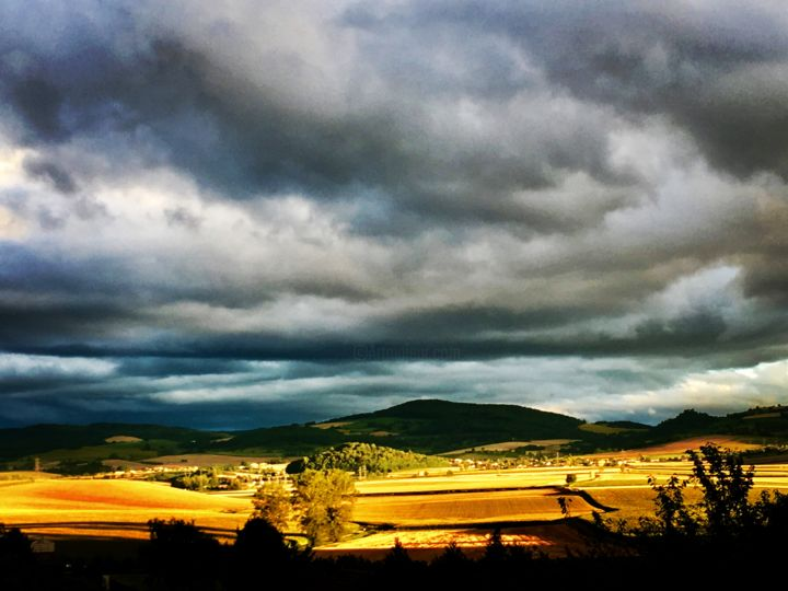 Toscane d'Auvergne - Photography, ©2017 by Laure Charrin -