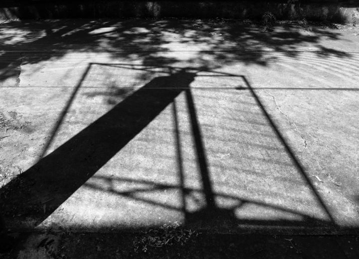 shadow light paris 2018.jpg - Photographie ©2018 par Leonard Rachita photographie -            shadow, light, bnw, noiretblanc