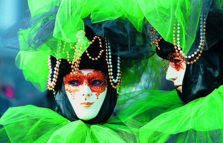carnaval-venise 10 - Photography,  15.8x19.7x2.4 in, ©2005 by Leroy -                                                                                                                                                                                                                                                                                                  Aluminum, Pop Culture / celebrity, carnaval, masque, costume, couleur