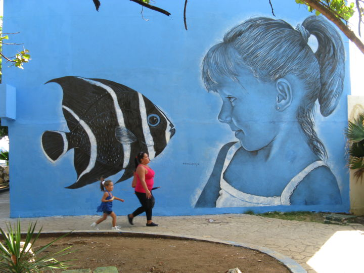 Colosa del Acuario - Painting,  236.2x354.3 in, ©2016 by Máisel López -                                                                                                                                                                                                                                                                                                                                                                                                                                                                                                                                                  Street Art, street-art-624, Other, Water, Animals, Graffiti, Children, Fish, niña, pez, azul