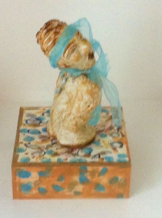 Ingenue - Sculpture,  0,4 in, ©2012 par Mapie -                                                                                                                                                      little statue, clay sculpture, board