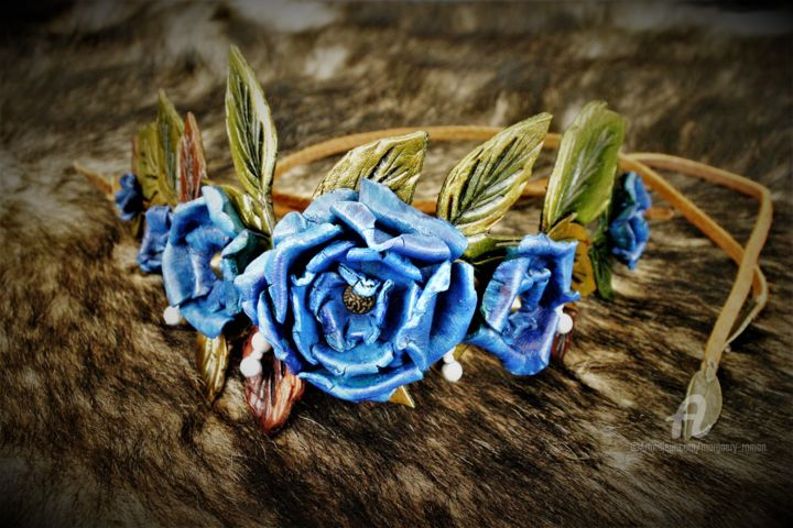 Couronne de roses de cuir chapel tiare - Artcraft,  15x80x4 cm ©2017 by Margaery -                                                                                                        Other, Cinema, Fairytales, Fantasy, Women, Flower, Heroic-Fantasy, cosplay, costume, cheveux, mariage, symbole, roses, bleu, cuir, medieval, couronne