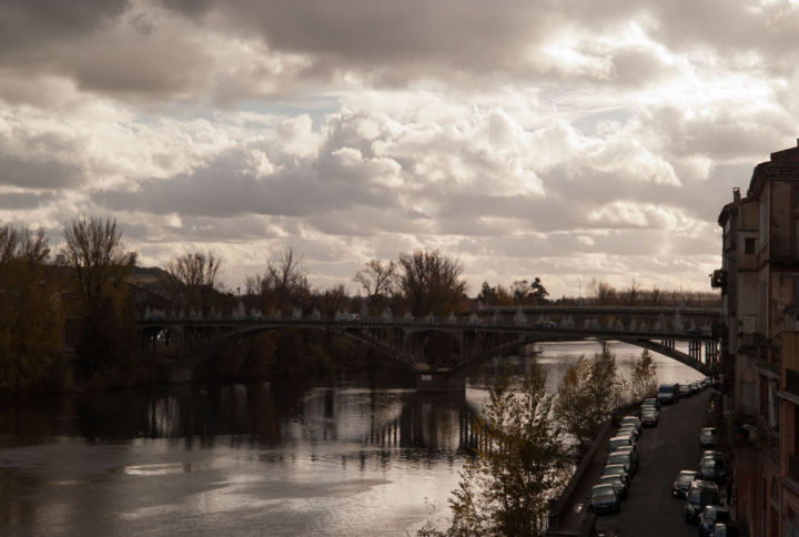 Montauban rive droite - Photography ©2013 by Anne Marie Mazzocchi -            photographie