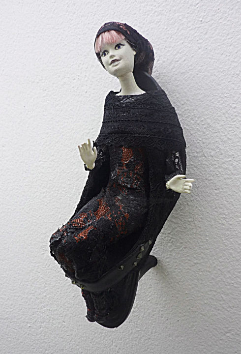 Sainte Marie de la godasse - Sculpture, ©2019 par Nancy Cardinal -                                                                                                                                                                                                                                                                                                                                                                                                                                                                                                      Outsider Art, outsider-art-1044, Autre, artwork_cat.Dark-Fantasy, Fantastique, Femmes, Gothique, Humour, sculpture, art singulier