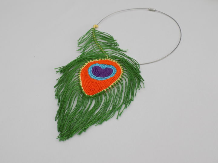 Collier Plume de Paon au crochet - Design, ©2018 by Naturofils -                                                                                                                                                                                                                                                                                                                                                                                                                                                                                                                                                                                                                                                                                                                                                                                                                                                                                                                                                                                                                                  Cotton, Animals, Fashion, Nature, Birds, plume, plume de paon, paon, crochet, plume crochetée, plume crochet, paon crochet, collier crochet, crochet necklace, crochet feather, crochet peacock, bijoux crochet, crochet jewelry, collier textile, art textile, crochet d'art, oiseau
