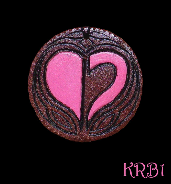Médaillon Homestuck Symbole du Coeur - Artcraft,  6.7x6.7x0.8 cm ©2017 by KRB1 -                                                                                                                                    Art Deco, Figurative Art, Folk, Wood, Comics, Colors, World Culture, Fantasy, Heroic-Fantasy, bouriot, krb1, sculpture, sculpteur, gravure, bijou, pendentif, medaillon, medaille, collier, homestuck, cosplay, fanfiction, original, coeur, symbole, rose, unique, bois, acajou, vachères, provence, luberon, marseille, art, artiste