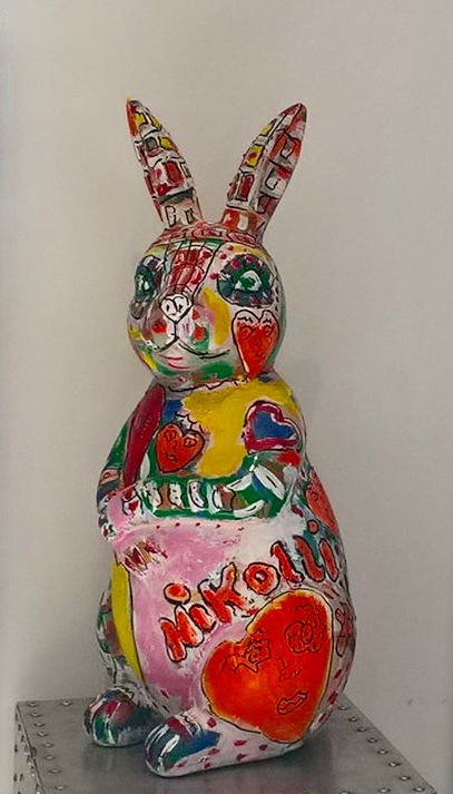Lapin #artistsupportpledge - Sculpture,  23,6x11,8x11,8 in, ©2019 par Paulin Nikolli -                                                                                                                                                                                                                                                                                                                                                                                                                                                                                                  Outsider Art, outsider-art-1044, Animaux, animal, #artistsupportpledge, artnikolli, lapin, rabbit, animaux, color