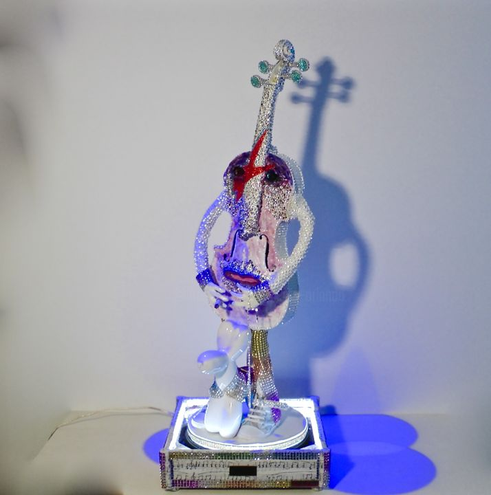 """Paganini Collection Violini D'autore Cod 010 """" David Bowie """" Swarovski - Sculpture,  86x32x33 cm ©2016 by Paolo Orlando -                                                                                                                                                                                                            Art Deco, Art Nouveau, Abstract Art, Figurative Art, Abstract Expressionism, Modernism, Pop Art, Other, Wood, Abstract Art, Celebrity, Pop Culture / celebrity, Fantasy, Music, People, arte deco, sculture, violini, sculture di violini, dipinti di violini, Michael Jackson, Sculture in resina, Personaggi, arte moderna, arte  Noiveau, modernismo, sculture di personaggi, David Bowie"""