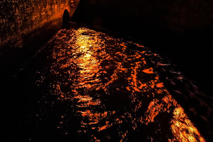 Fusion - Photography, ©2008 by Patrice CORBIN -                                                                                                                                                                                                                                                                                                                                                                                                                                                                              Colors, Water, Light, Cityscape, Cities, rivière, ruisseau, pont, rouge, fusion