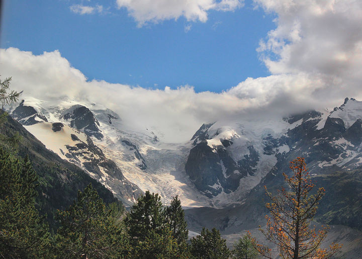 011-suisse-glaciers-express.jpg - Photography,  30x45 cm ©2018 by Michel Hervo -