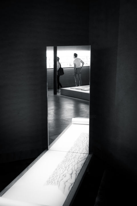 Les Visiteurs #21 - Photography,  29.5x19.7 in, ©2020 by Pierre Duquoc -                                                                                                                                                                                                                                                                                                                                                                                                                                                                                                  Impressionism, impressionism-603, Geometric, Interiors, Light, Black and White, People, visiteur, exposition, perspective